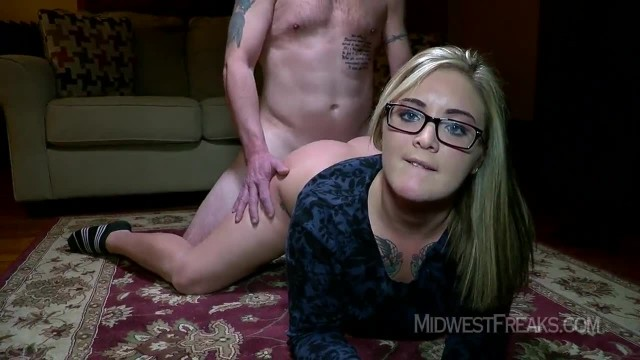 Babe with Glasses Just seeing how the Creampie Feels