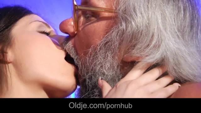 Horny Brunette Fuck Bearded Grandpa in the Bathroom