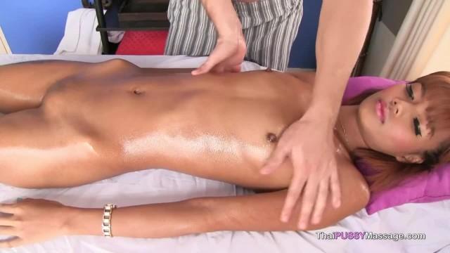 Super Hot & Skinny Thai Teen Girl Pussy Massage & Fuck