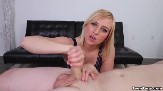 Sexy Blonde Babe Giving a Nice Handjob