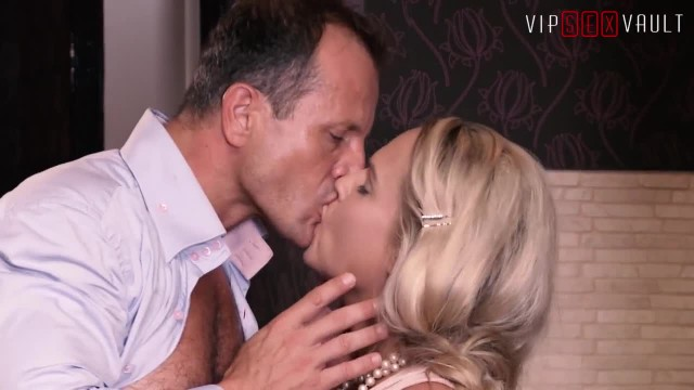 VIPSEXVAULT - Hot Czech Wife has Shivering Orgasms after getting Super SEX