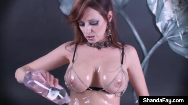 Canadian Cougar Shanda Fay Oils & Wets while Dildo Drilling!
