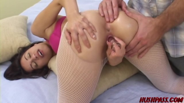 Big Booty Monica Breeze gives Sloppy Head before Doggystyle