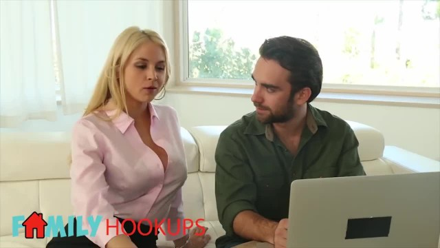 Family Hookups- Trophy Wife Sarah Vandella Fucks Stepson