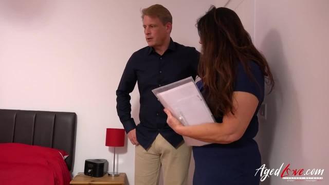 AgedLovE Sales Agent got her Premium Price