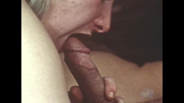 Sexy Swinger Anal Sex Threeway