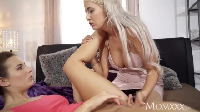 MOM Jenifer Jane Taught Pussy Licking by Stepmoms Lesbian Sister