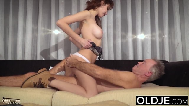 Teenager Sucks old Man Cock Spreads her Legs and she gets Hardcore Fucked