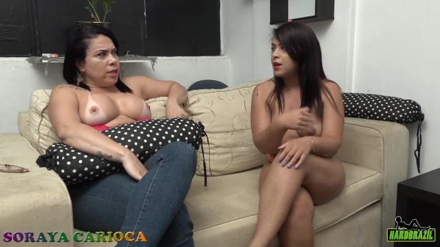 Soraya Carioca sofa test with Natalia Prado the newcomer