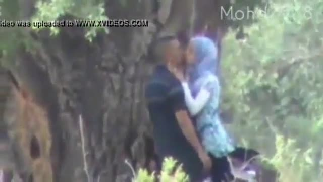 Horny amateur couple caught fucking in park