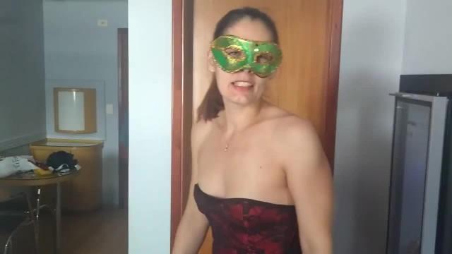 Kinky MILF Raquel Teasing in Sexy Lingerie