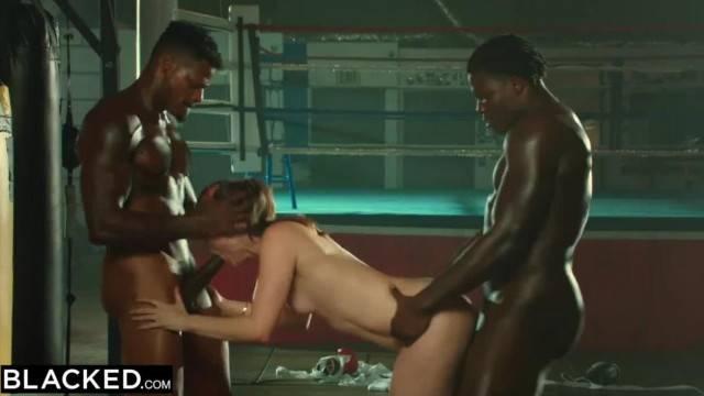 Smoking hot babe enjoys fucking BBC in interracial threesome