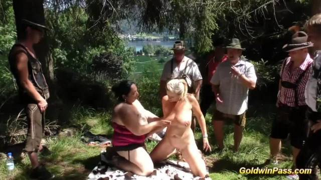 BBW cumsluts take all in amateur outdoor orgy