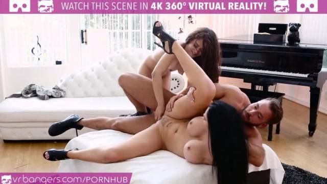 VR Bangers Big Tits MILF Jasmine Jae gets my Boyfriend Cum on her Face