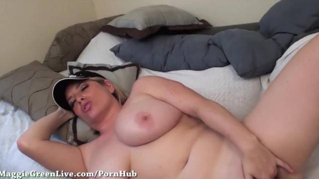 Natural Big Titty Maggie Green Fingers her Pussy