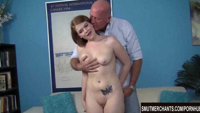 Horny Teen gets her Pussy Plugged