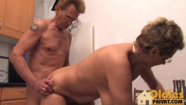 Quickie in the Kitchen with mature couple