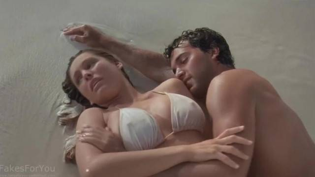 Sexy Kelly Brook in hot movie scene