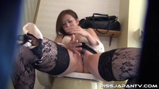 Dripping into her Asshole JAV MILF HQ