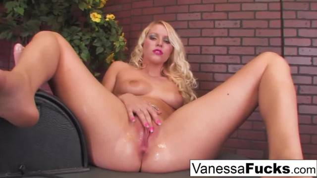 Sexy Vanessa Cage Takes on the Sybian