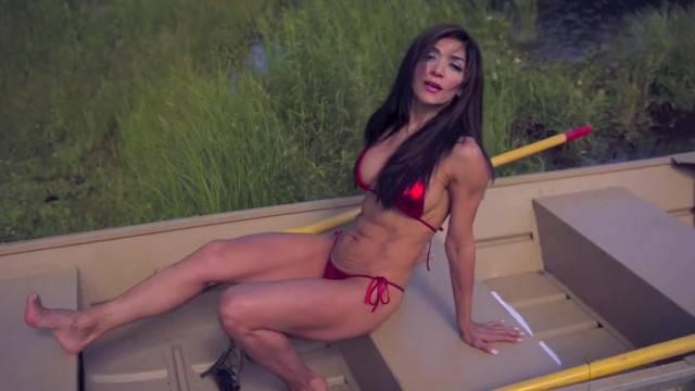 Brunette MILF gone Wild in sexy trip
