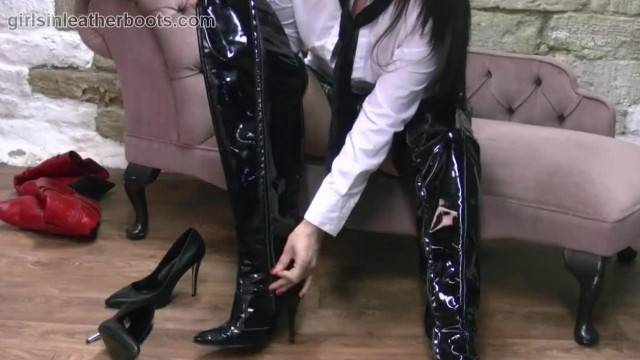 Sexy Schoolgirl Simone Wears her Mothers Slutty Leather Boots Home alone
