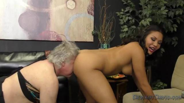 Mena Mason Turns HandyMan into her Sissy Asslicker Ass Worship