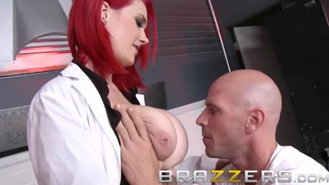 BRAZZERS Sex Doctor Siri in the Pavslut Experiment