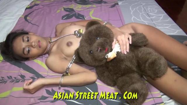 Free Fuck for half your Wealth with cute asian thai teen