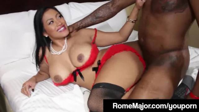 BBC Rome Major Pounds Maxine X Asshole until she Squirts