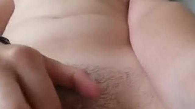 Amateur Teen makes herself Orgasm