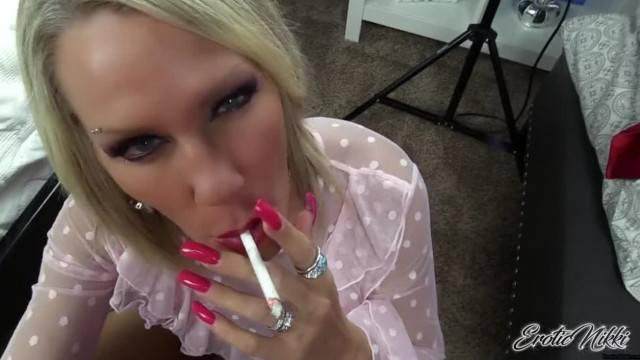 Erotic Nikki Sexy MILF Nikki Ashton gives POV Smoking Blowjob