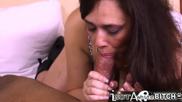 White MILF makes Don Whoe Explode in her Mouth