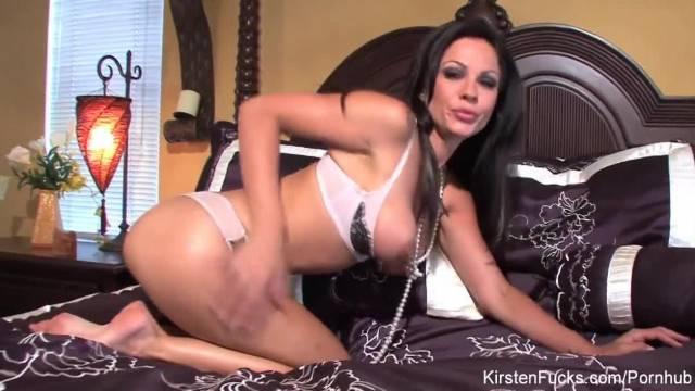 Brunette Hottie Kirsten Price Fingers her Pussy in Bed