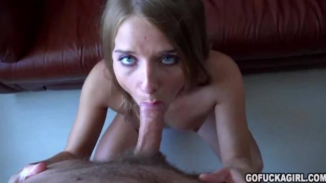 GOFUCKAGIRL Sofi Crush Deepthroated and her feet creamed