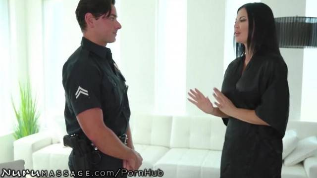 MILF Jasmine Jae with huge boobs seduces cop to pay her bills