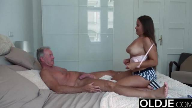 Grandpa Fucks Teen 18 Years old Tight Pussy in Bedroom Great Wet Blowjob