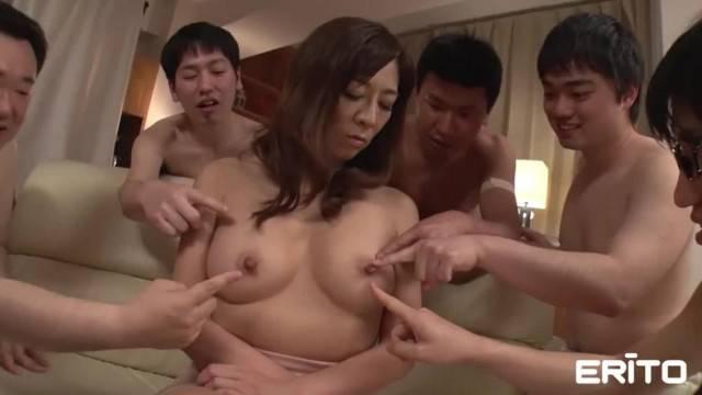 Insatiable Asian Babe Erito Surprised by Bukkake Squad