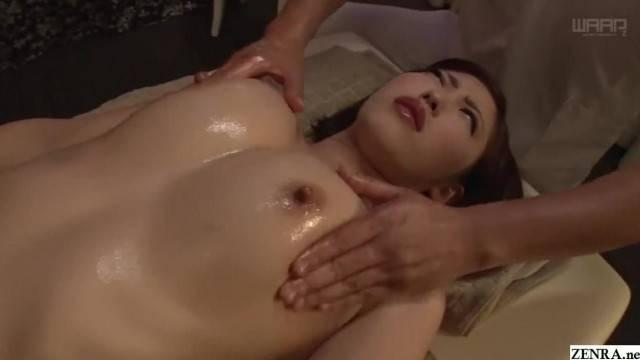 JAV Star Asahi Mizuno CMNF Erotic Oil Massage