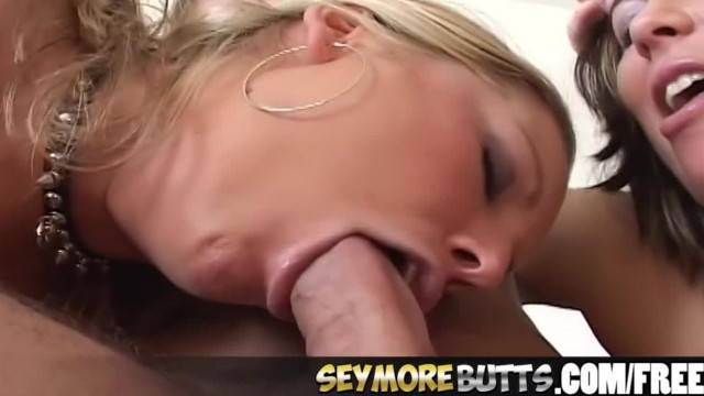 Two Girl Playing Threesome Deepthroat and Anal Fuck
