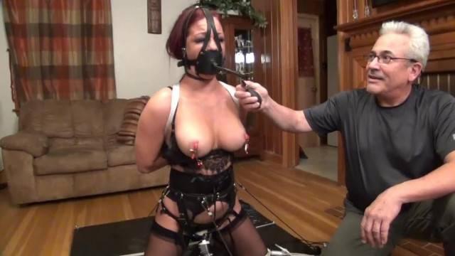 Amateur fetish lover takes the Bondage Challenge