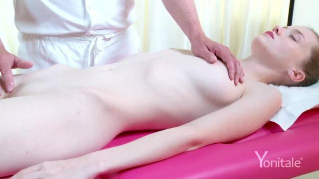 Yonitale Stunning Emily Bloom has an Orgasmic Massage