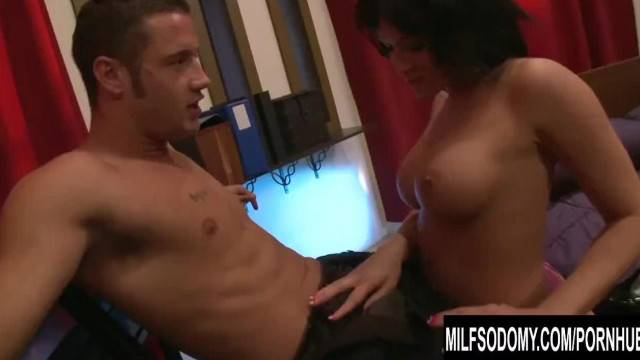 Lustful curvy MILF takes hard dick down her ass