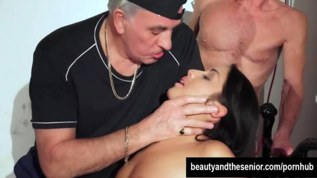 Tempting Teen Loren gets Nailed by two old Guys