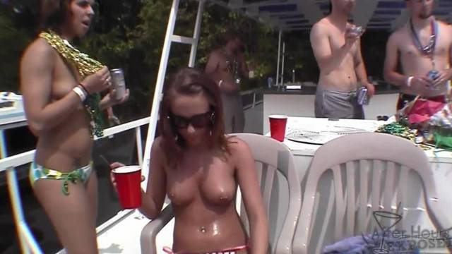 Iowa College Girl Nudists being Totally Free at Lake of the Ozarks Licking