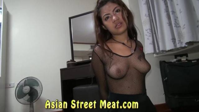 Cute Thai Teen plays the slutty maid and gets huge facial