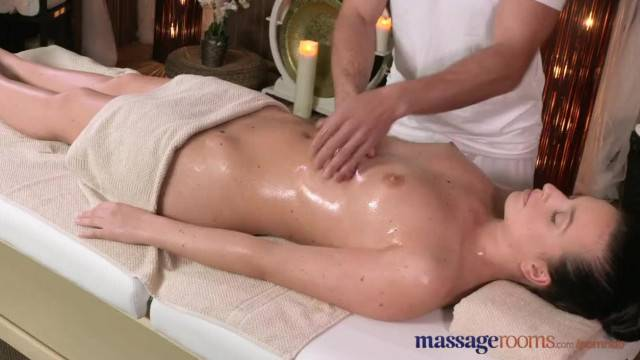 Massage Rooms Juicy round Bum Teen gets Cock Deep inside her Pussy
