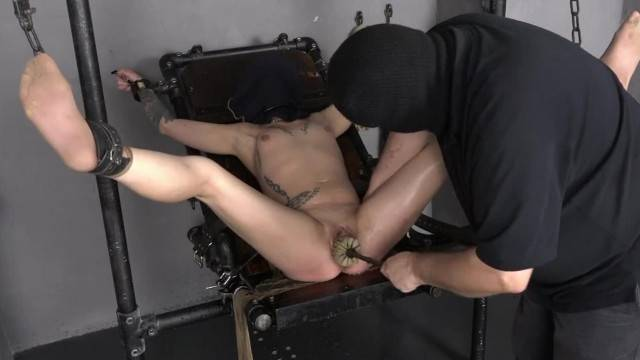 Immobilized Slave gets Rough Pussy Cleaning