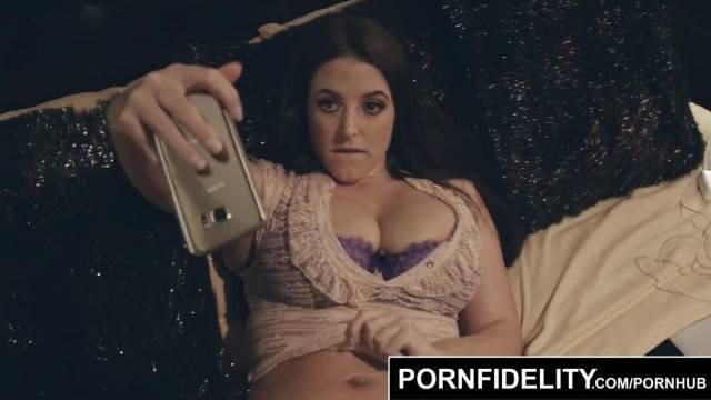 PORNFIDELITY Angela White Puts her Huge Tits to Work
