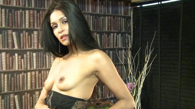 Amazing Brunette Babe Miya Rai Shows all